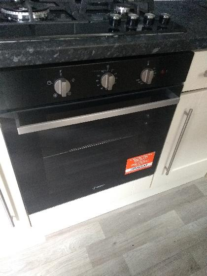 One of Two ovens replaced today. Ovens and hobs can be supplied and fitted or you can supply your own and we can install for you.
